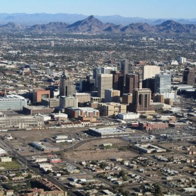 2880px-Phoenix_AZ_Downtown_from_airplane By Melikamp - Own work, CC BY-SA 3.0, https://commons.wikimedia.org/w/index.php?curid=17747851