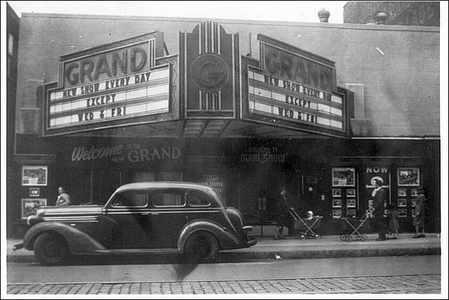Grand Theater, Williamsburg, Brooklyn Contributed by Bob Dittmeier / Cinema Treasures