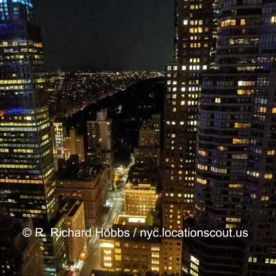 nyc-skyline-night1 © 2020 Copyright R. Richard Hobbs / nyc.locationscout.us